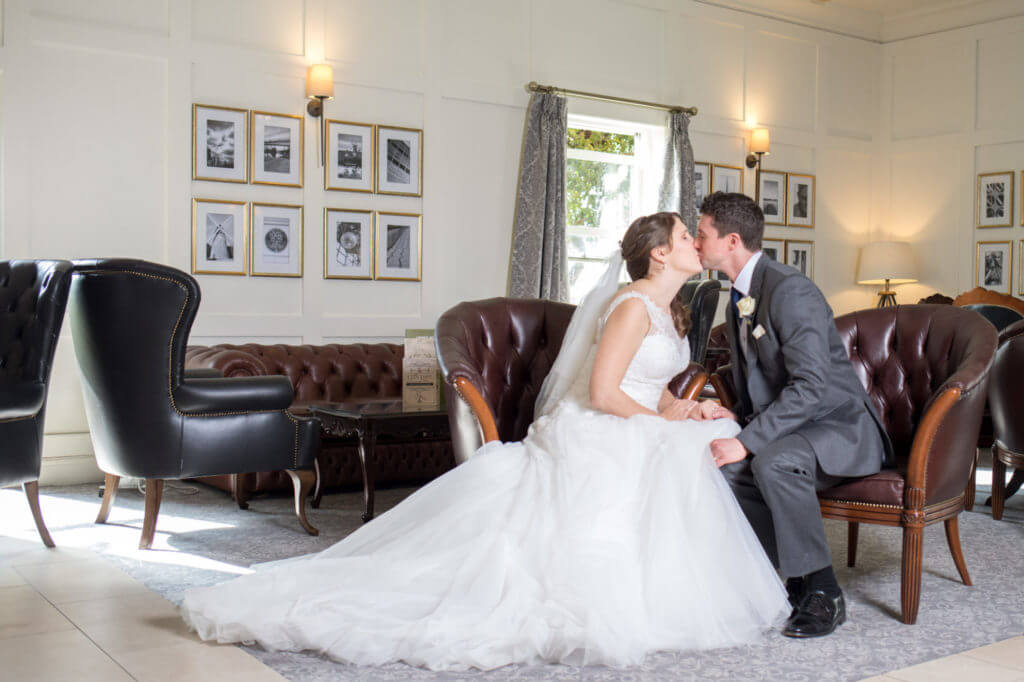 10 Bride and Groom Kissing