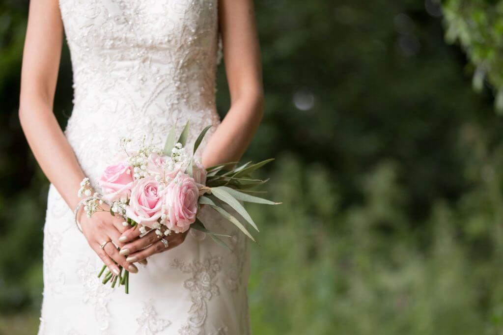 12 bride flower bouquet stoneleigh abbey kenilworth warwickshire oxford wedding photographer