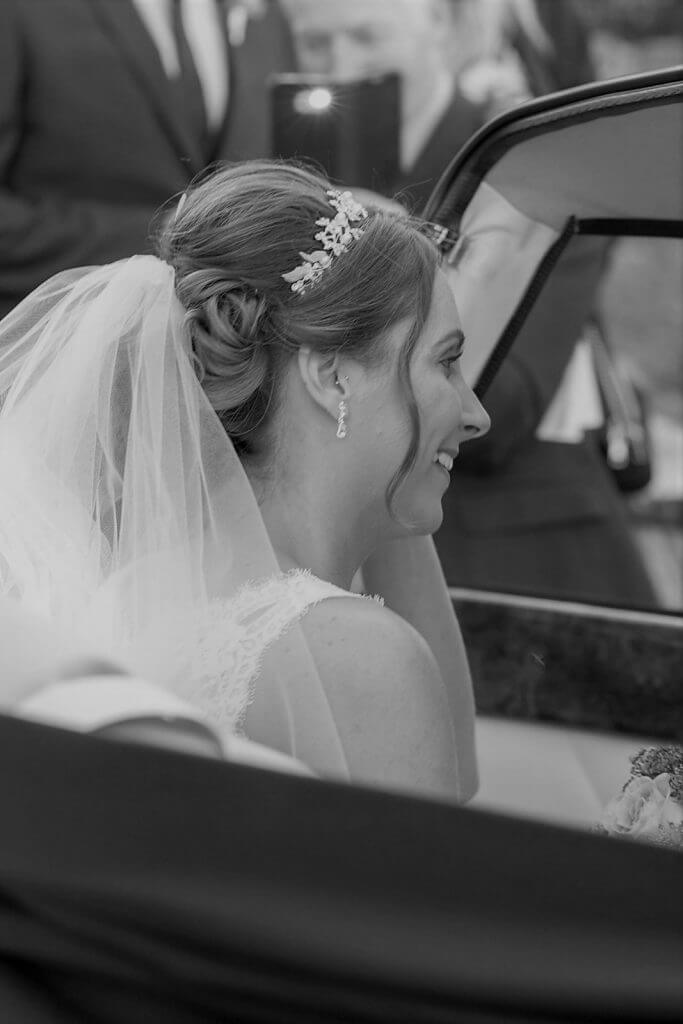 23b bride and wedding car iffley church oxford oxfordshire photography