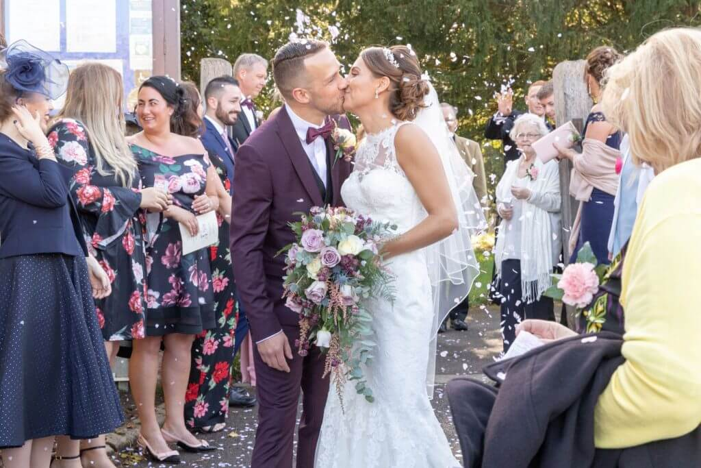 24 confetti celebration iffley village church oxford wedding photography