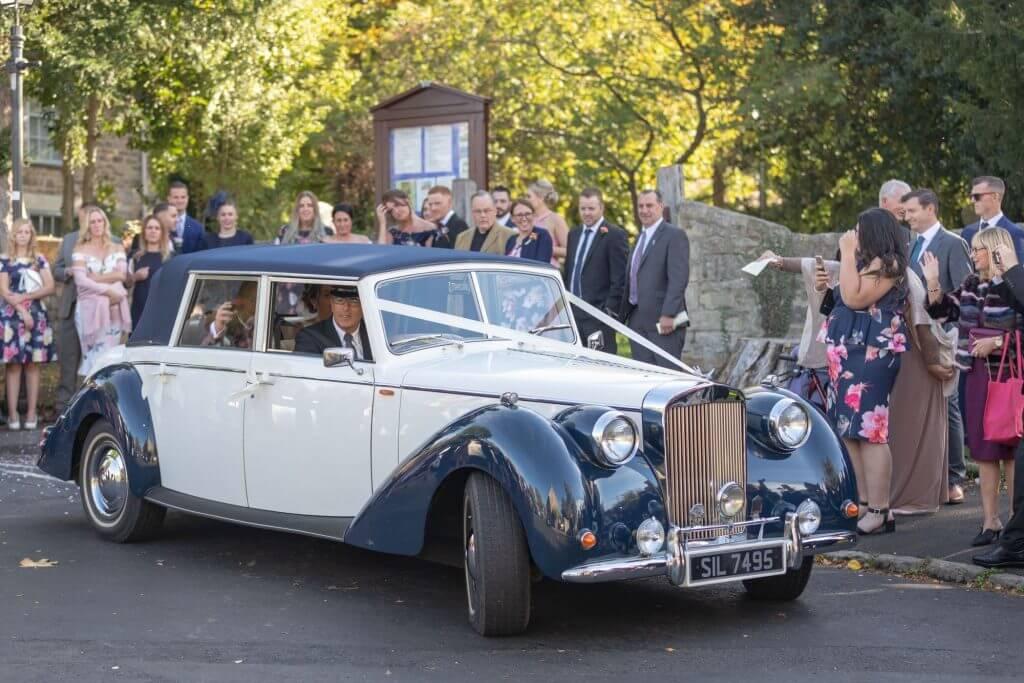 25 bride and groom wedding car iffley church oxford wedding photography