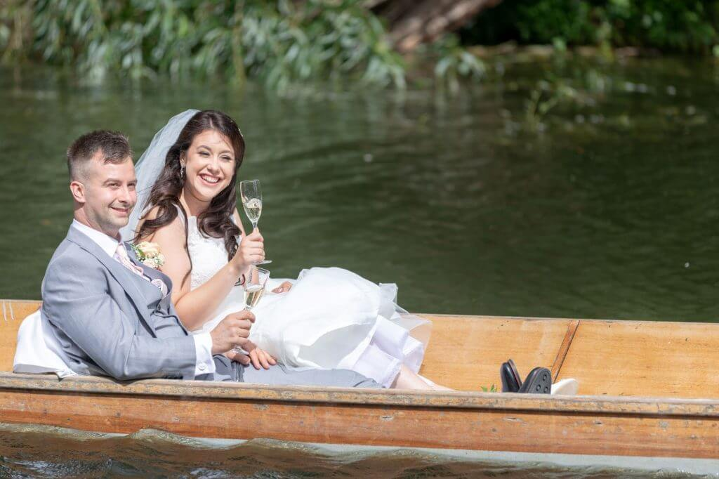 63 bride groom use oxford punt as wedding transport to reception cherwell boathouse venue oxfordshire photography