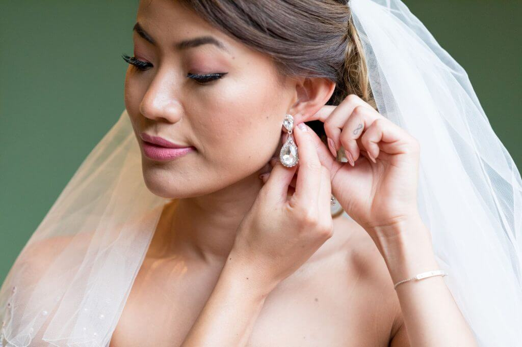 bridal preparation white veil diamond earrings milton hill house steventon abingdon oxford oxfordshire wedding photography 01