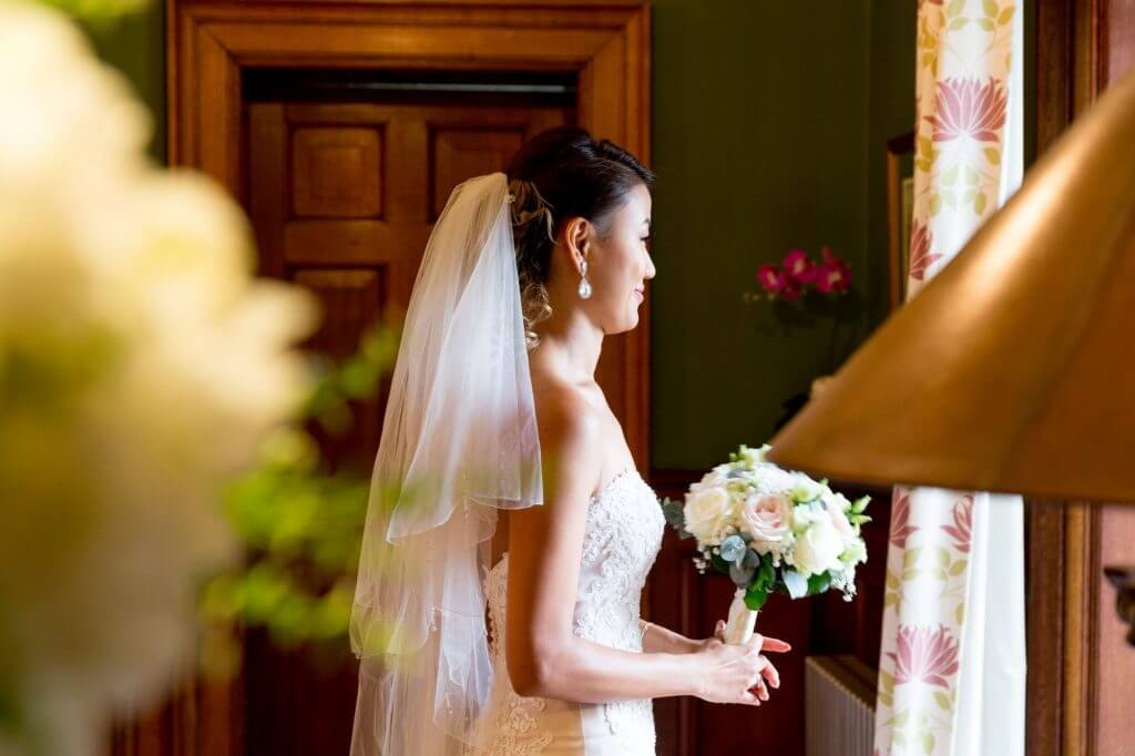 bride preparation white dress veil bridal bouquet milton hill house steventon abingdon oxford venue oxfordshire wedding photography 02