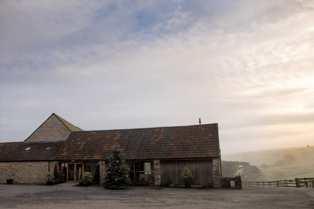 kingscote barn tetbury sunrise oxfordshire wedding photographer