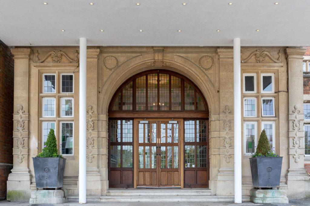de vere selsdon estate hotel entrance croydon oxford wedding photography