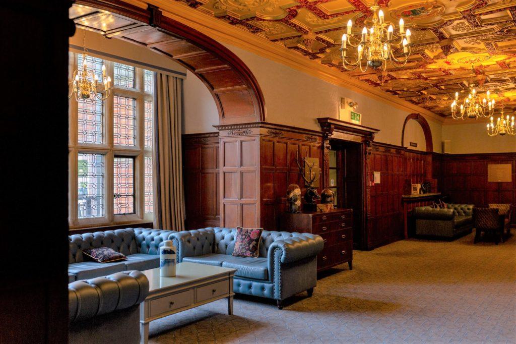 de vere selsdon estate hotel ornate ceiling oxfordshire wedding photographers