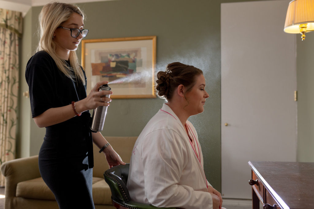 de vere selsdon estate bride preparation hair styling oxford wedding photographer