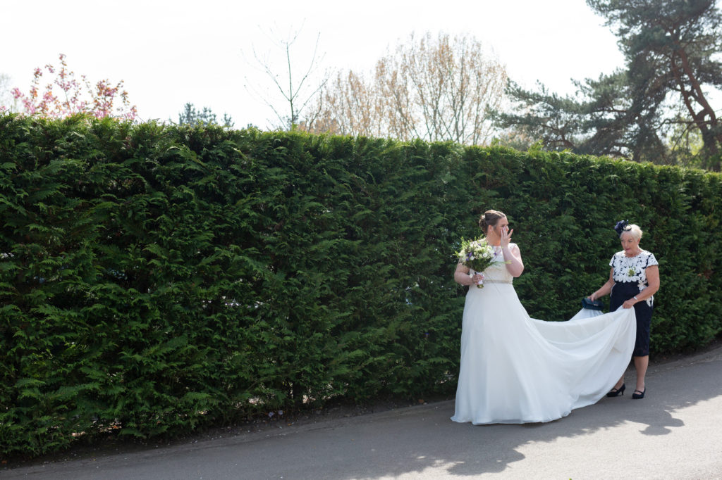 mother of the bride and daughter marriage ceremony oaks farm surrey oxford wedding photographers