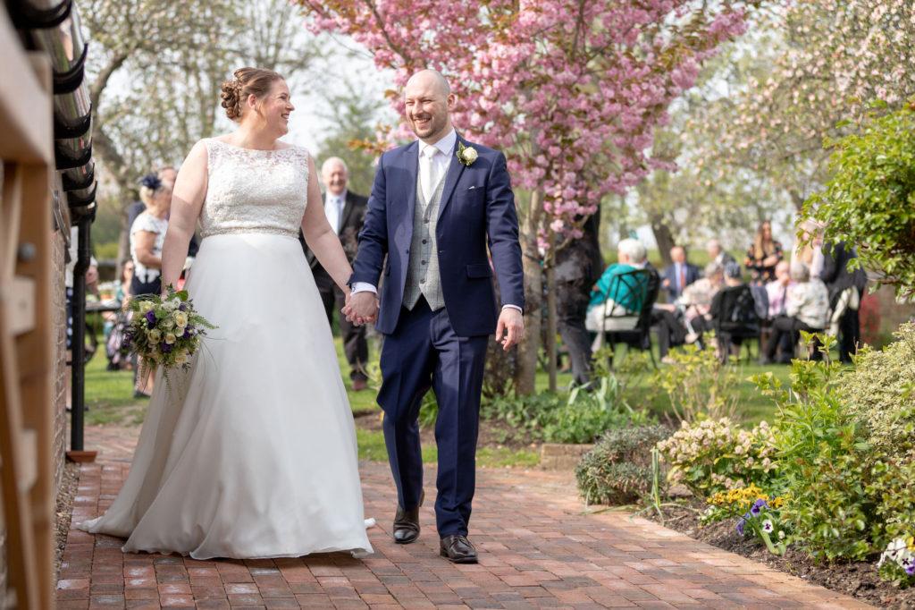bride groom depart drinks reception oaks farm surrey oxfordshire wedding photography