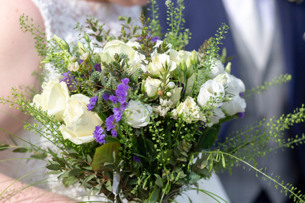 brides floral bouquet oaks farm surrey oxford wedding photographers