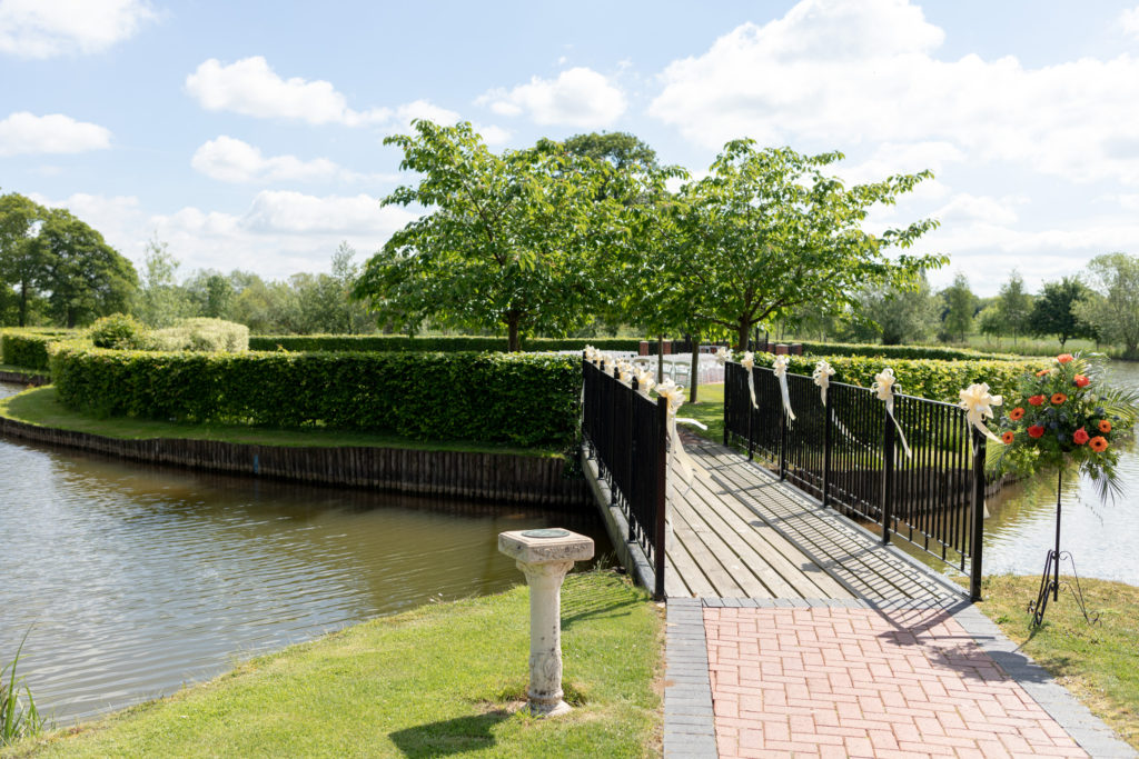 ribbon decorated bridge ardencote claverdon venue warwickshire oxfordshire wedding photographer