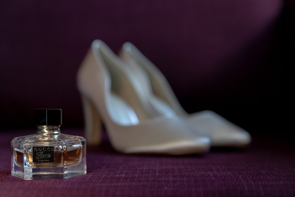brides perfume and shoes ardencote claverdon venue warwickshire oxford wedding photography