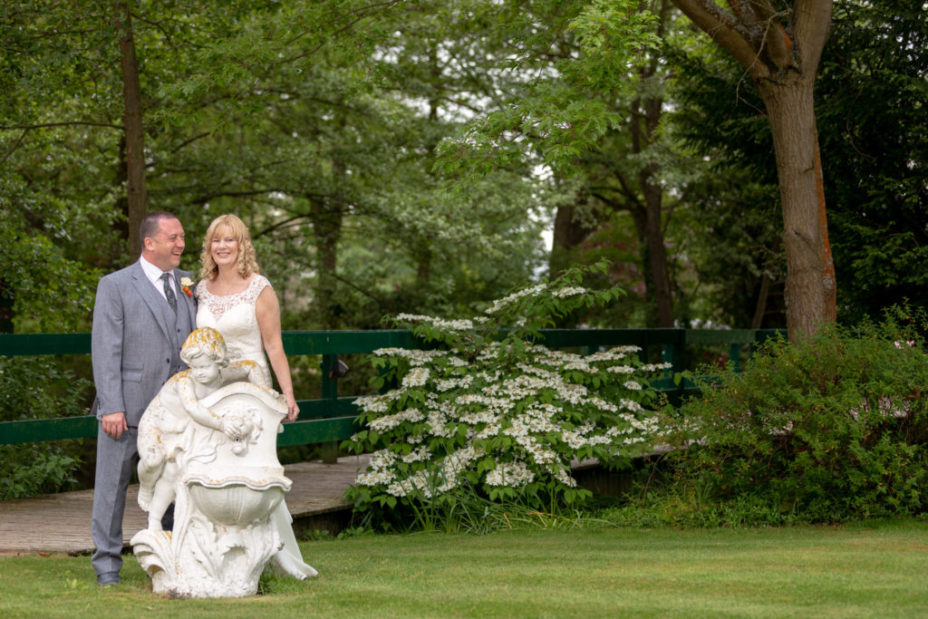 bride groom garden statue portrait ardencote hotel claverdon warwickshire oxfordshire wedding photographers