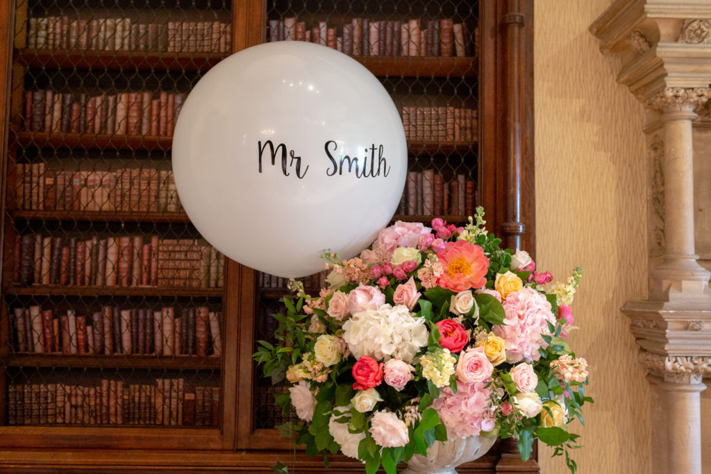 dinner reception balloon and floral arrangement the elvetham hartley wintney hampshire oxfordshire wedding photographer