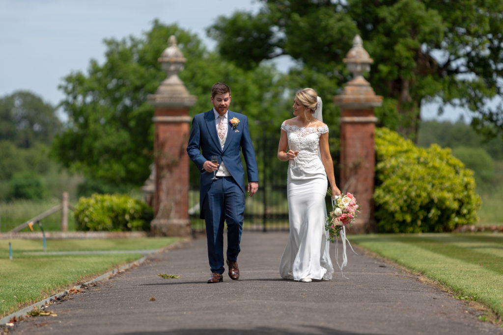 70 bride groom stroll the elvetham gardens hartley wintney hampshire oxfordshire wedding photographer
