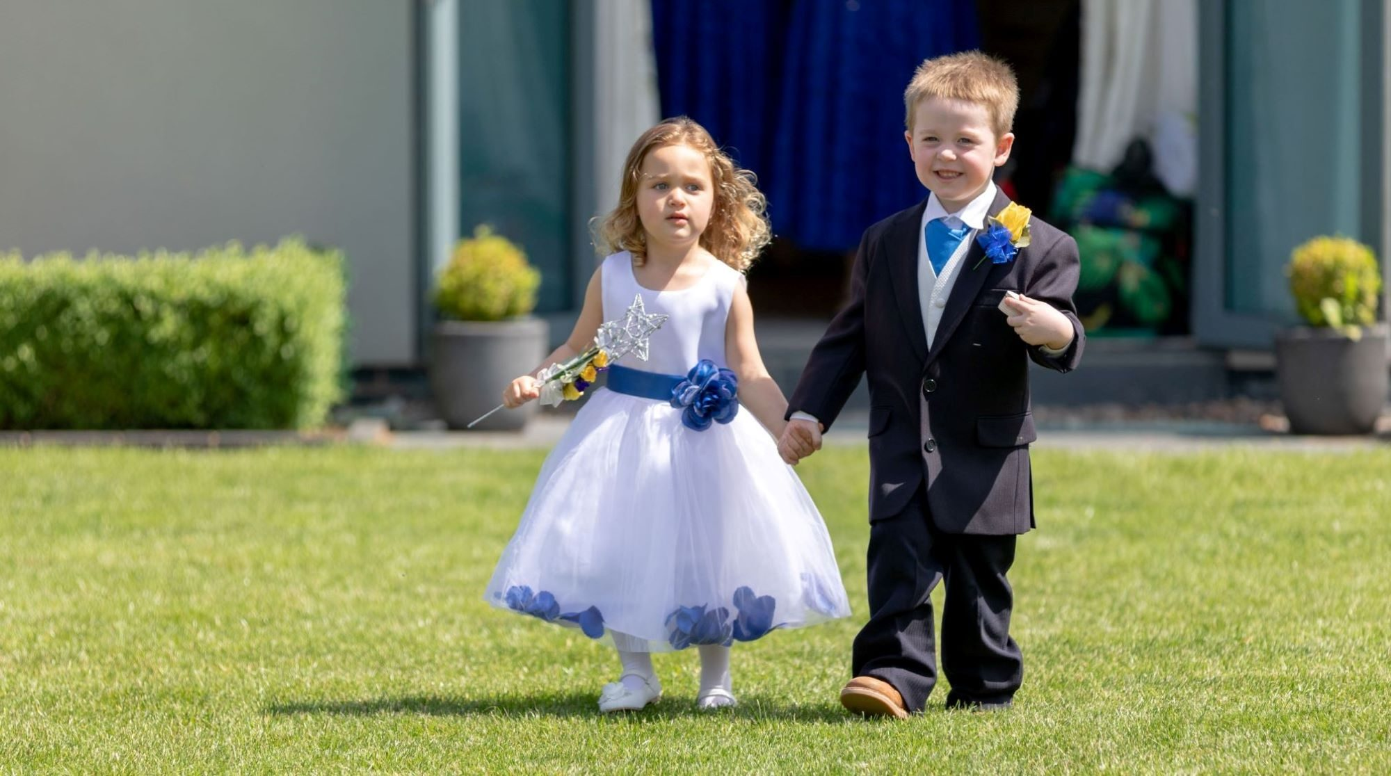 001 flowergirl pageboy hold hands manor hill house bromsgrove worcestershire oxfordshire wedding photography
