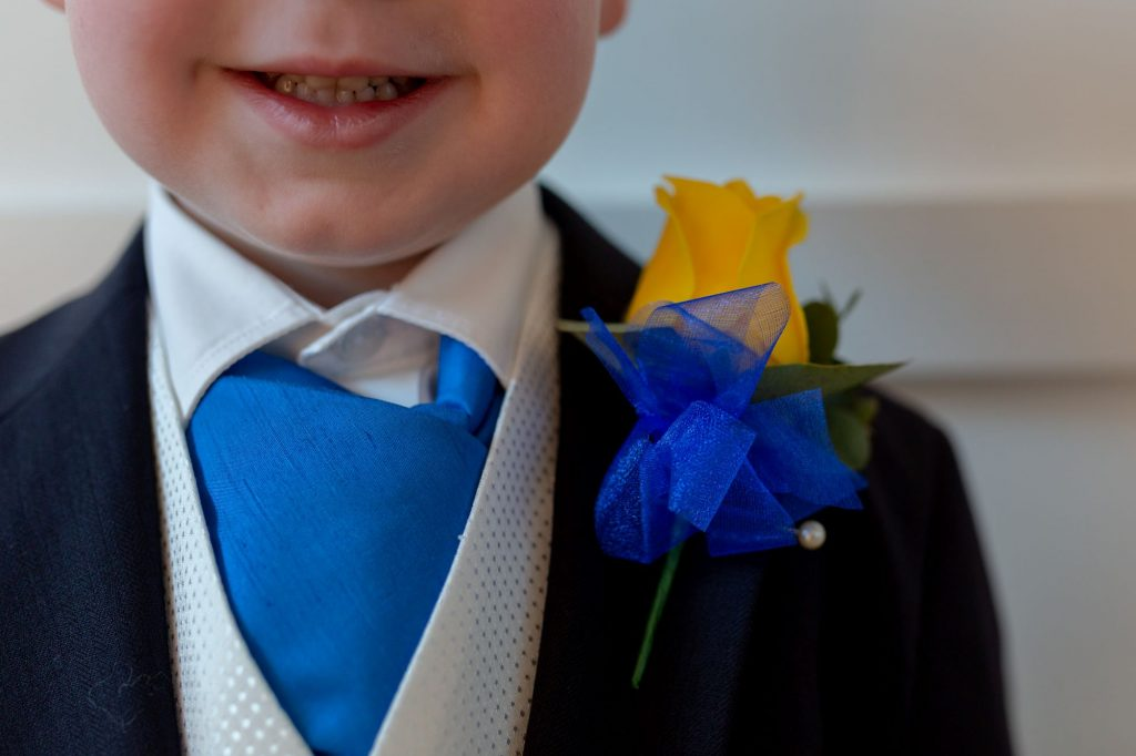 page boys cravat yellow rose buttonhole manor hill house bromsgrove worcestershire oxford wedding photography