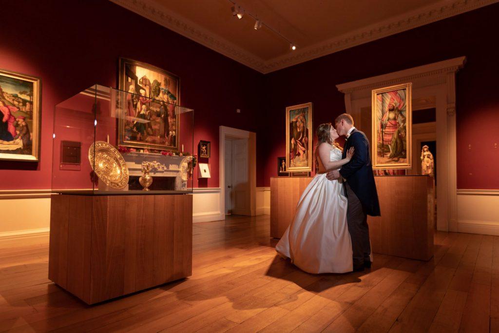 bride groom kiss compton verney museum warwickshire oxfordshire wedding photographer