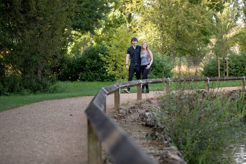 hayley ricky oxford waterside stroll engagement photo session oxfordshire wedding photographer