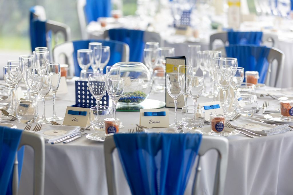 weding breakfast tables manor hill house bromsgrove worcestershire oxfordshire wedding photographer