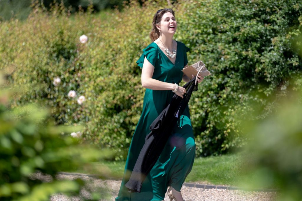 Running guest arrives late manor hill house bromsgrove worcestershire oxford wedding photographer