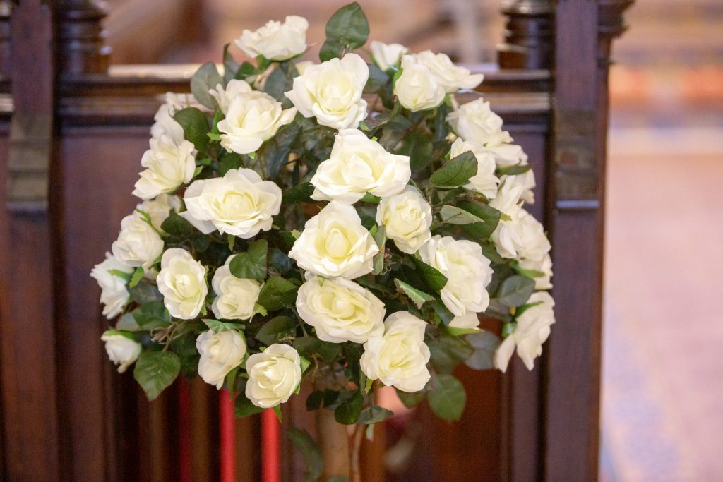 church pew floral decoration st marks pensnett dudley west midlands oxford wedding photographers