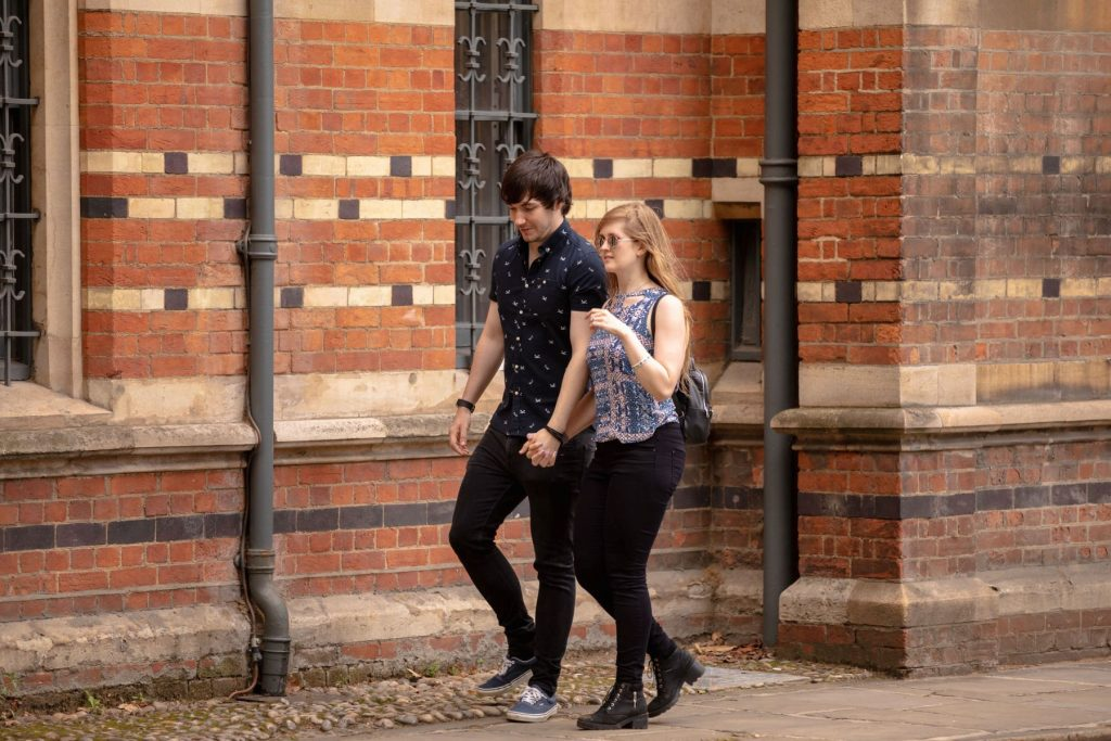 couples oxford city centre stroll engagement photo session oxfordshire wedding photographer