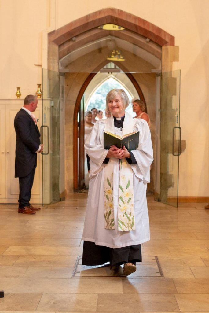 vicar enters church marriage ceremony st marks pensnett dudley west midlands oxford wedding photography