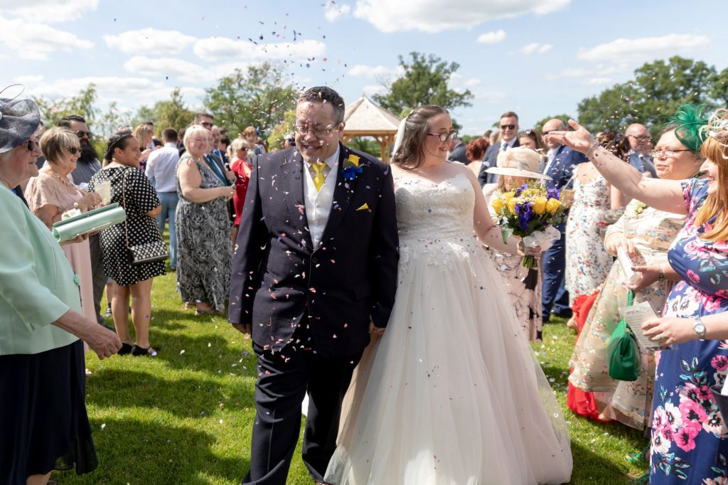 bride grooms confetti shower manor hill house bromsgrove worcestershire oxfordshire wedding photographer