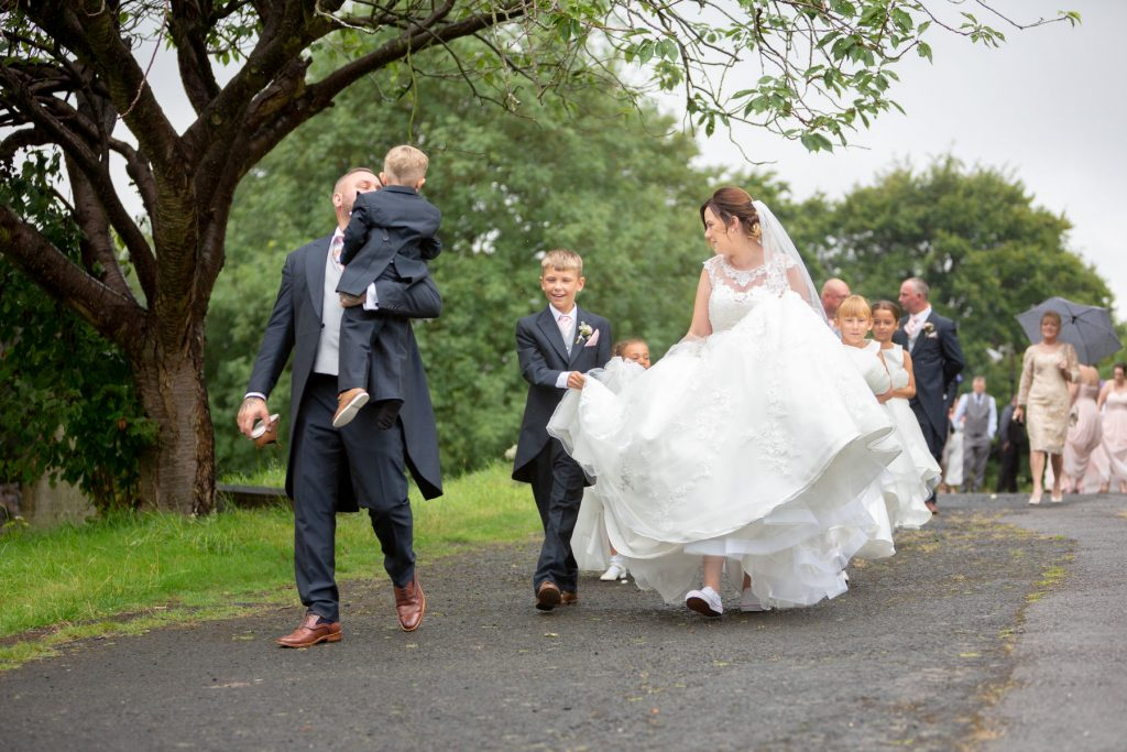 bridal party st marks churchyard pensnett dudley west midlands oxfordshire wedding photographers