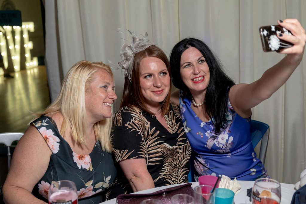 guests take selfie manor hill house bromsgrove worcestershire oxford wedding photographers