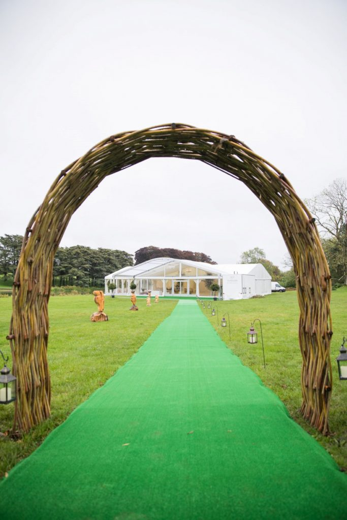 rustic arch frames marquee blenheim palace venue woodstock oxford wedding photographer