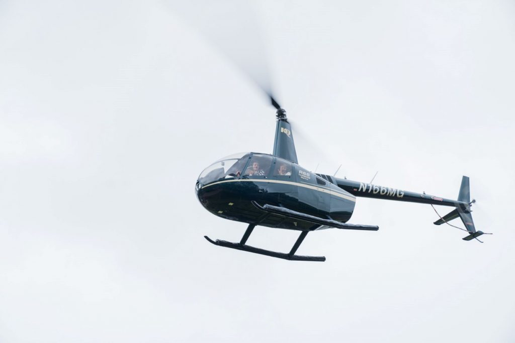 bride grooms helicopter travels to blenheim palace venue woodstock oxfordshire oxford wedding photography