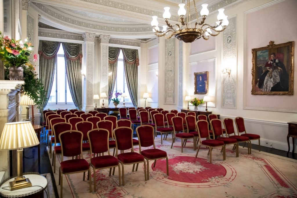 marriage ceremony room lansdowne club mayfair london oxford wedding photographers