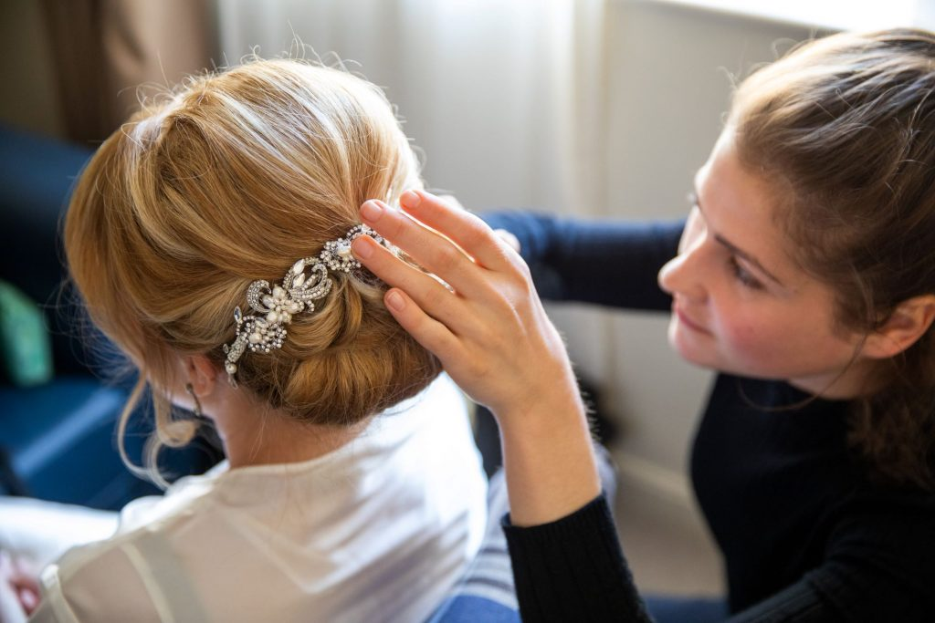bridal prep tiara lansdowne club mayfair london oxfordshire wedding photographer