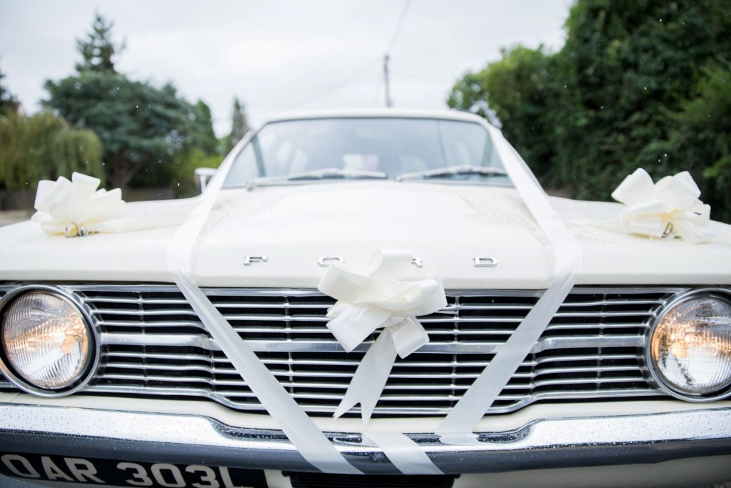 classic bridal car registry office ceremony roysse court abindgon oxfordshire wedding photographers