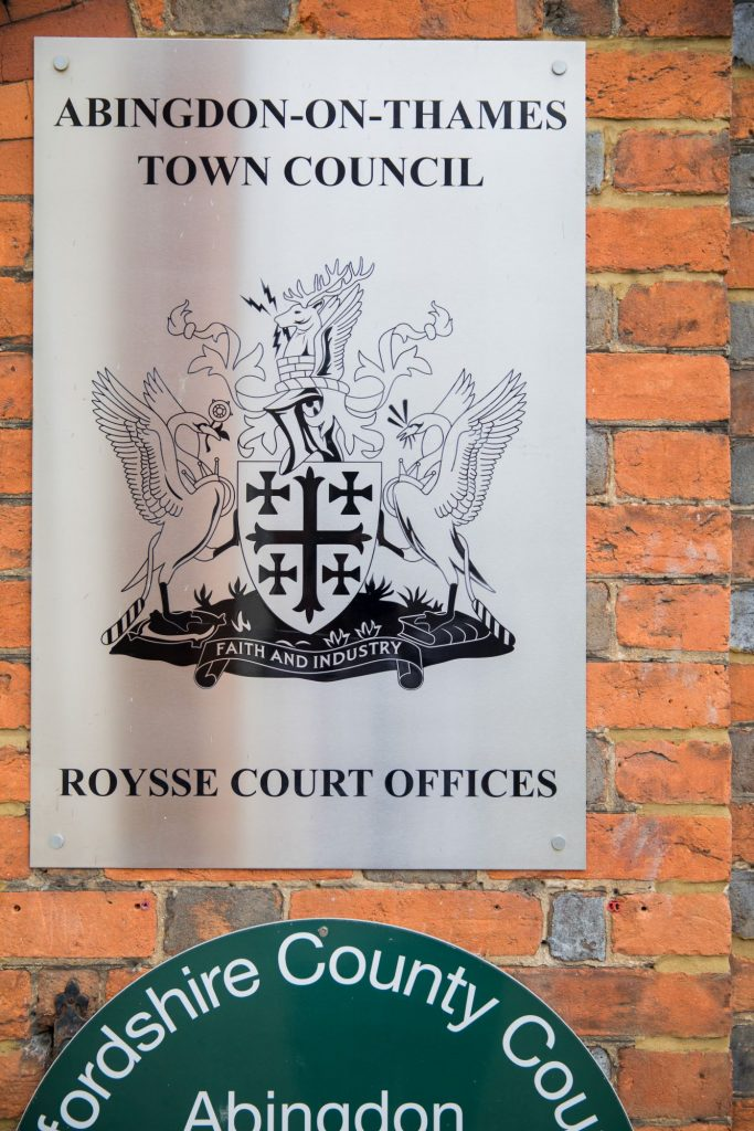 wall signage abindon registry office roysse court oxford wedding photography