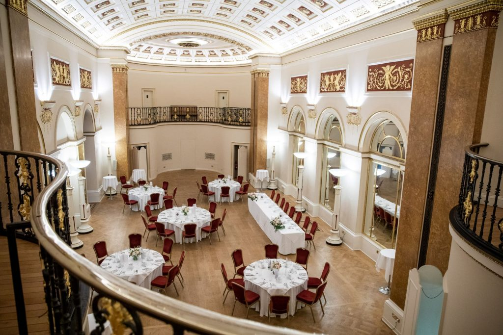 reception dinner room lansdowne club mayfair london oxford wedding photographers