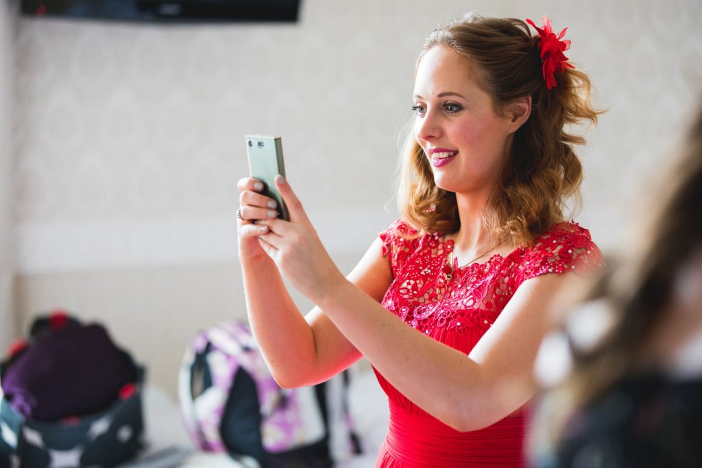 bridesmaids makeup mirror the wroxeter hotel shrewsbury shropshire oxford wedding photographers