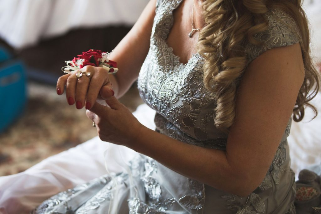 mother of brides floral bracelet the wroxeter hotel shrewsbury shropshire oxfordshire wedding photographer