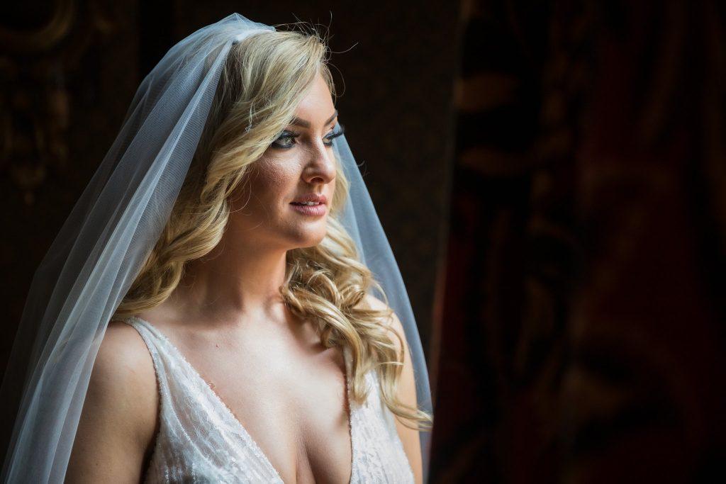 brides dress veil formal portrait kilworth house hotel north kilworth leicestershire oxford wedding photographers