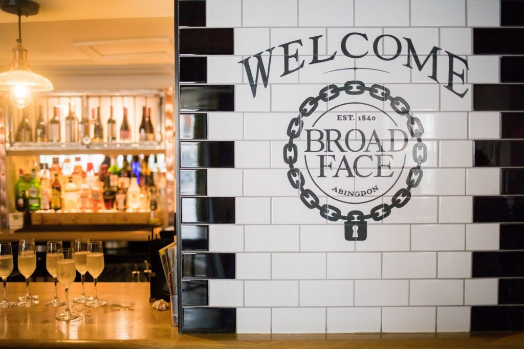 broad face pub signage abingdon oxfordshire wedding photographers