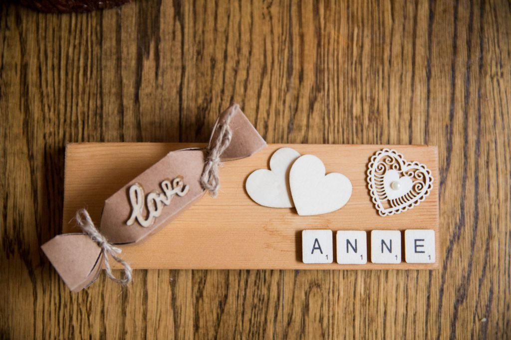 table place name broad face pub reception dinner abingdon oxford wedding photographers