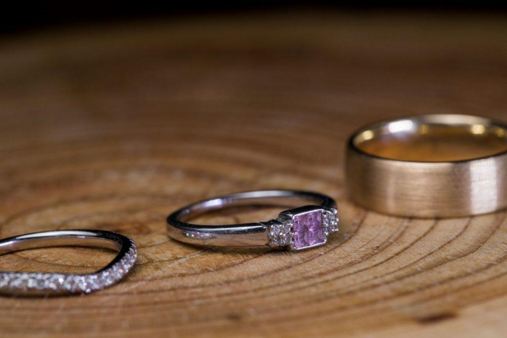 bride groom rings broad face pub dinner reception abingdon oxfordshire oxford wedding photography