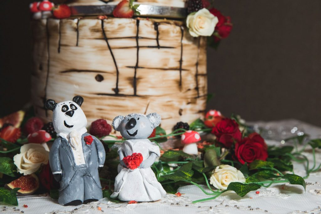 bride grooms cake decorations wroxeter hotel reception shrewsbury oxfordshire wedding photographers