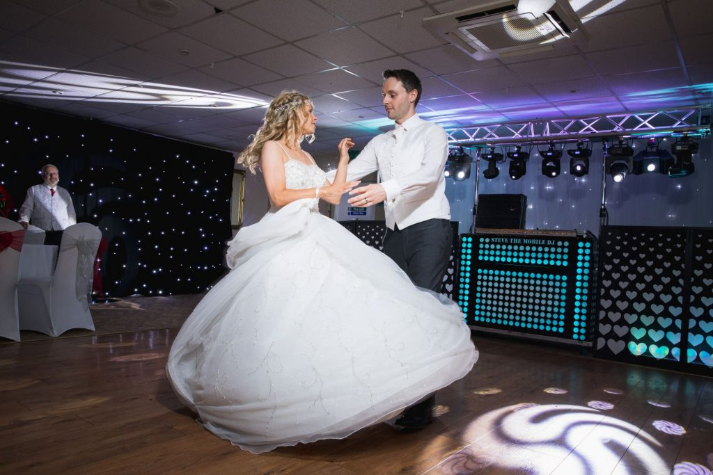 bride groom first dance wroxeter hotel shrewsbury shropshire oxford wedding photographer