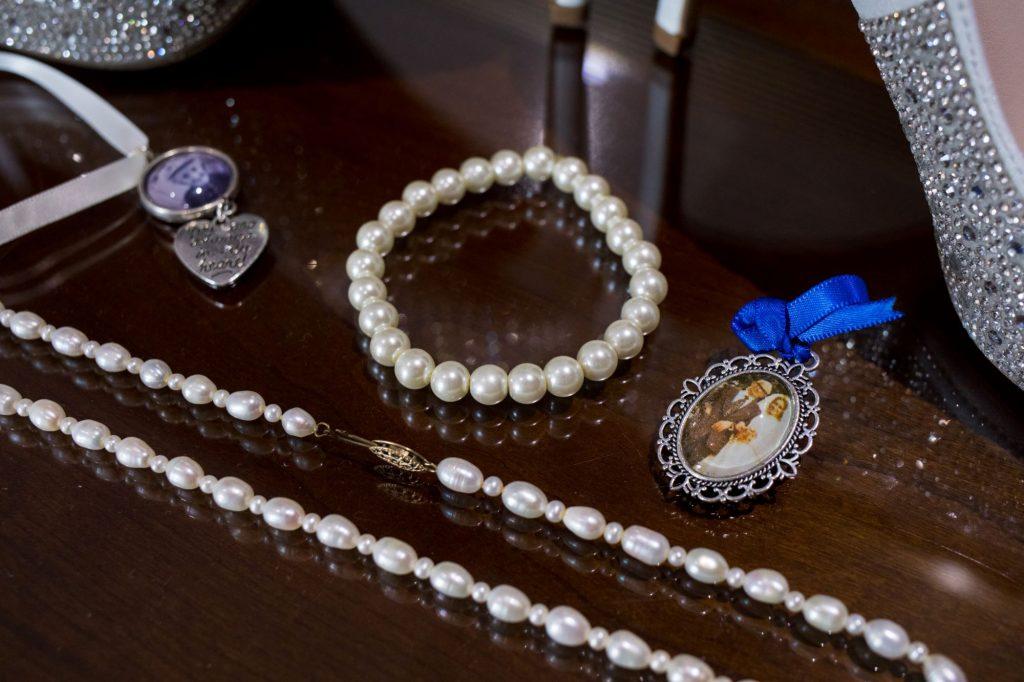 brides jewellery bridal preparation sir christopher wren hotel windsor oxford wedding photographer