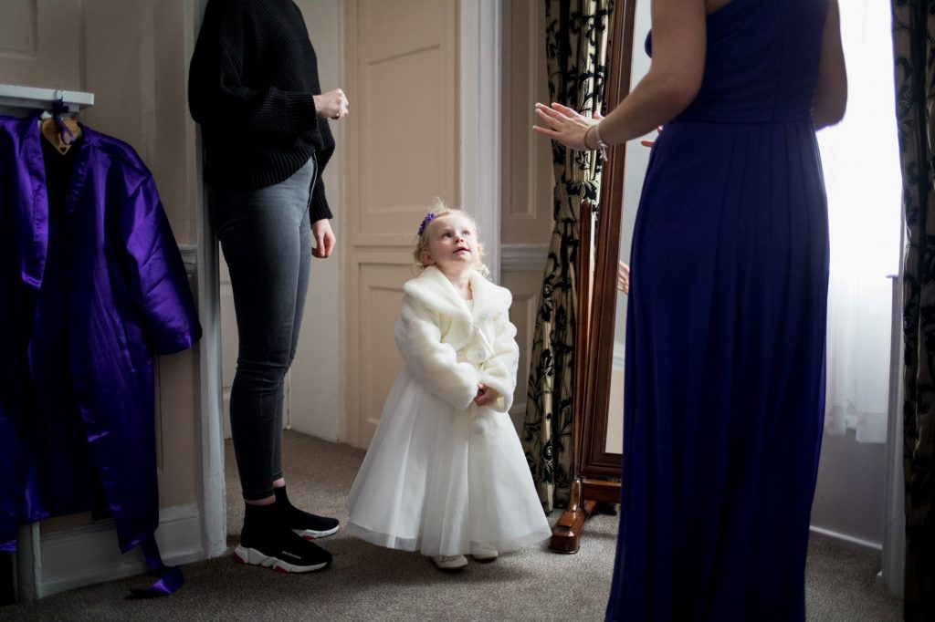 flower girl bridesmaid bridal prep sir christopher wren hotel windsor oxford wedding photography