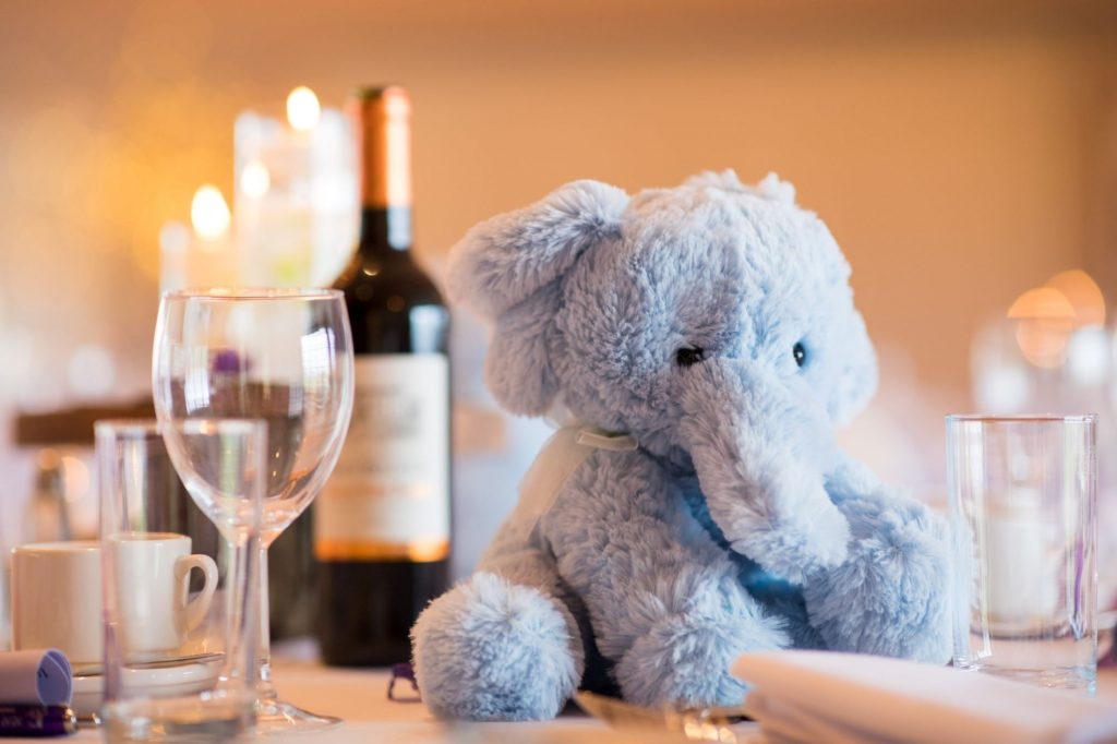 fluffy elephant wedding breakfast table decoration york club windsor great park berkshire oxford wedding photographer